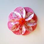 Милый цветок из картона для украшения открытки своими руками