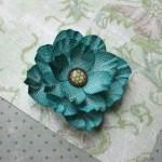 Красивый цветок из брадса для украшения открытки своими руками