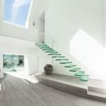 20 стильных лестниц из стекла