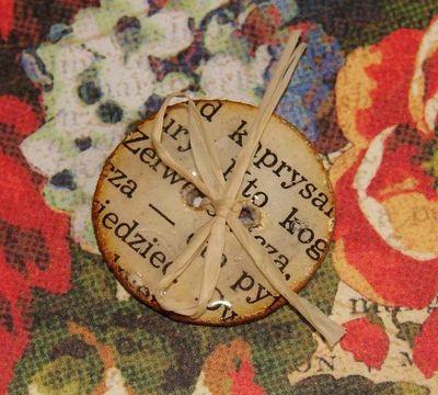 открытка с декоративной пуговкой