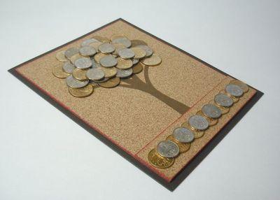открытка украшенная монетами