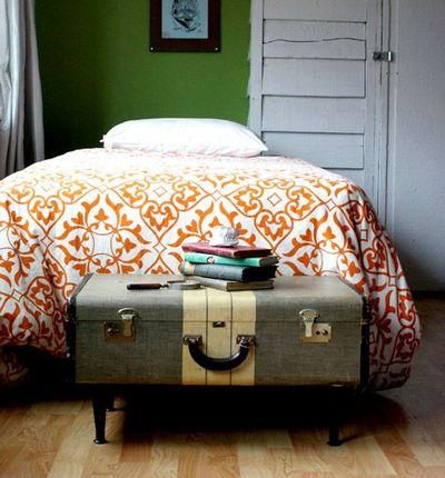 Vintage-Suitcases-interior-11