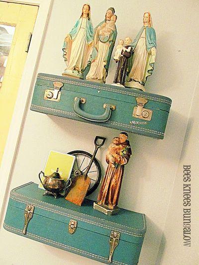 Vintage-Suitcases-interior-30