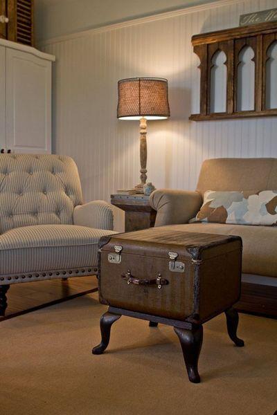 Vintage-Suitcases-interior-39