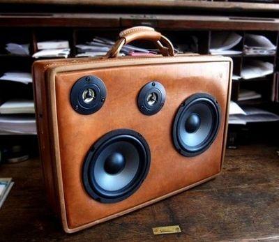 Vintage-Suitcases-interior-8
