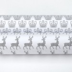 Оригинальный принт с вышивкой для упаковки подарков своими руками + бесплатный шаблон для скачивания