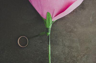 roza-iz-bumagi-svoimi-rukami14
