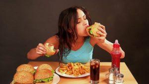 Вредная пища делает людей ленивее
