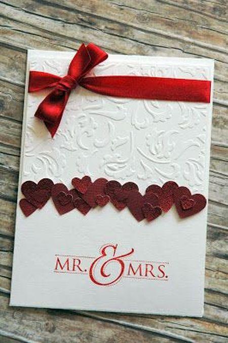 свадебная открытка белого цвета