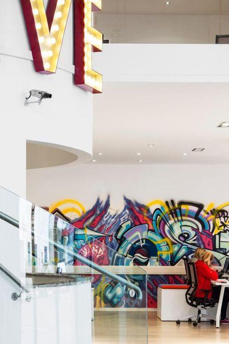 graffiti-interior-15