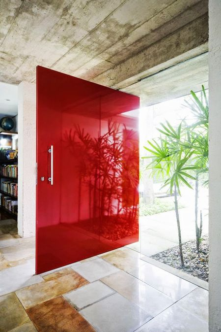 red-interiors-accents-11