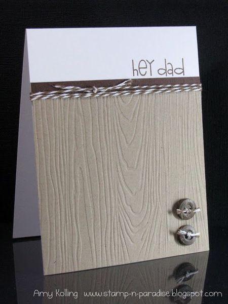 простая открытка с фактурой дерева