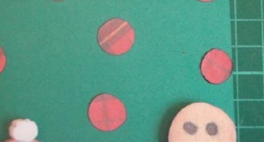 декоративные кружочки на открытке с рождеством