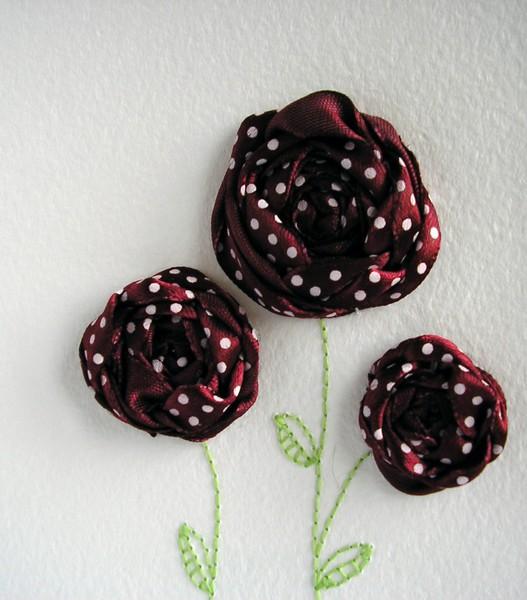 вышиваем оставшиеся 2 цветка