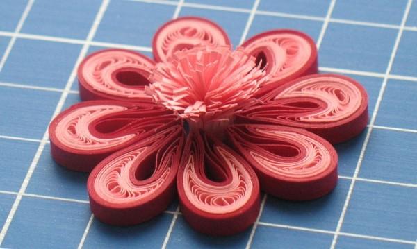 Цветок из бумаги для открыток и валентинок