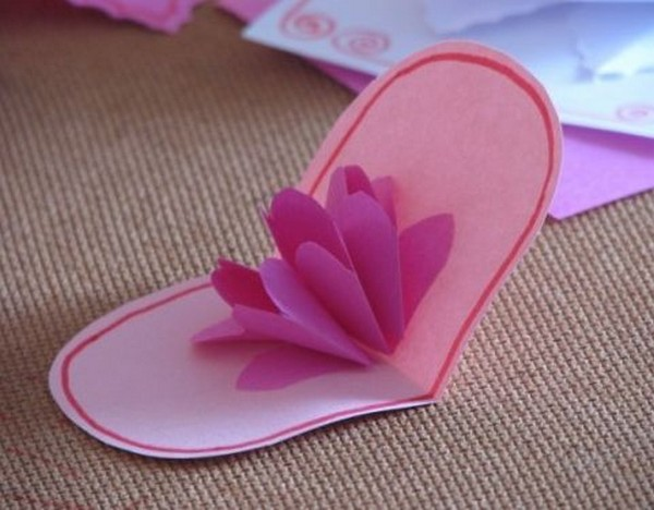 простой цветок из банта своими руками