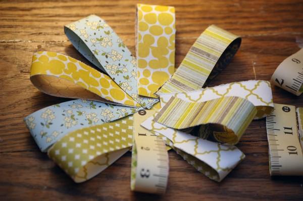 Цветок для открытки из обрезкой цветной бумаги
