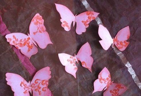вырезаем бабочек