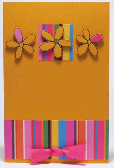 Весенняя открытка с цветами и бантиком