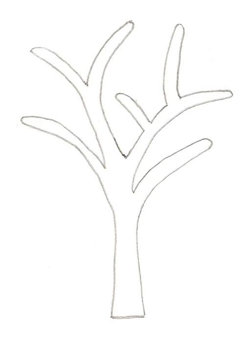 По шаблону нарисуйте и вырежьте ствол дерева
