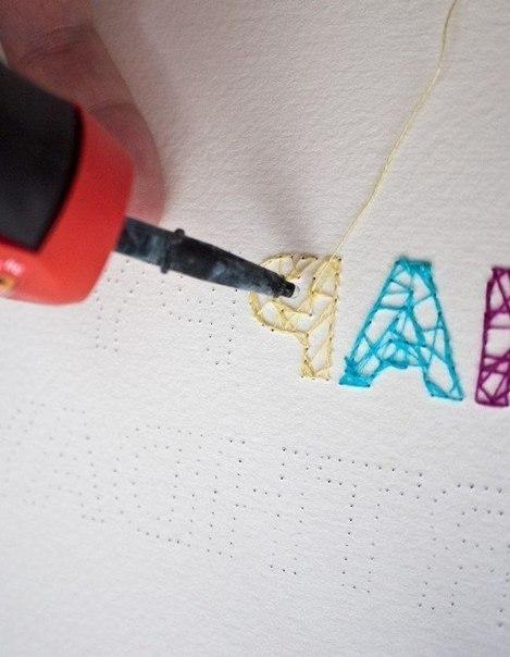 На открытке вышиваем буквы