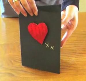 Открытка ко дню Святого Валентина с объемным сердцем