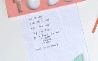 Простой способ как сделать цветные магнитики на холодильник своими руками из полимерной глины