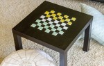 Стильный декор стола в виде шахматной доски своими руками
