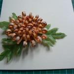 Хризантема для украшения открытки своими руками
