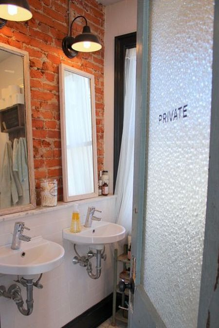 bathroom-brick-24